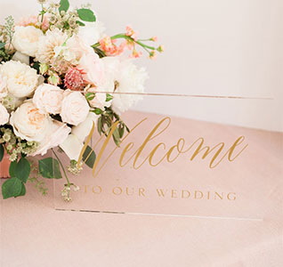 41832-Gold-Welcome-Wedding-Sign-m1.jpg