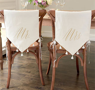 44620-Chair-Signs-Mr-Mrs-Tassels-Set-m1.jpg