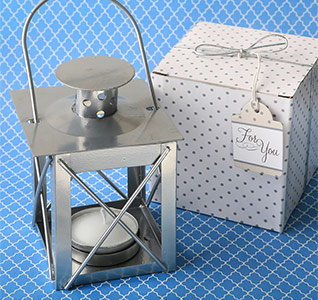 8898-Mini-Metal-Tea-Light-Lantern-Silver-m1.jpg
