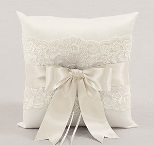 A01235RP-Chantilly-Lace-Ring-Pillow-Ivory-m.jpg