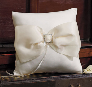 Beverly-Clark-Duchess-Collection-Ring-Pillow-m.jpg