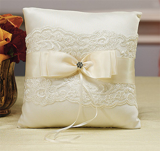 Beverly-Clark-French-Lace-Ring-Pillow-Ivory-m.jpg