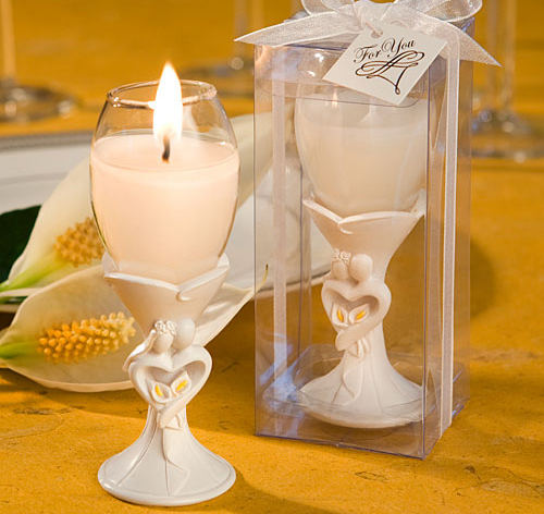 Calla lily wedding candle favors are sure to make a memory that will last and last. Candle wedding favors are beautiful and unique.