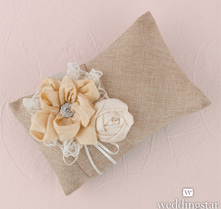 Burlap-Chic-Ring-Pillow-M.jpg