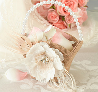 Burlap-&-Lace-Flower-Basket-m.jpg