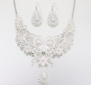 Butterfly-Jewelry-Set-Silver-m.jpg