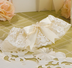 White and Ivory Chantilly Lace Wedding Bridal Garter