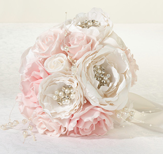 Chic-&-Shabby-Bouquet-Blush-m.jpg