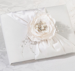 Chic-&-Shabby-Guest-Book-m.jpg