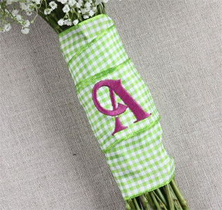 Country-Check-Bouquet-Wrap-without-Tails-m.jpg