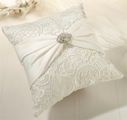 Cream Lace Ring Pillow