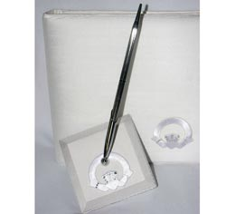 Crystal White Claddagh Wedding Guest Book Pen