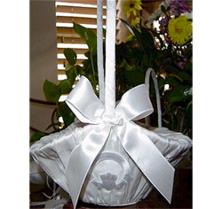 Enchanted White Claddagh Large Wedding Flower Girl Basket