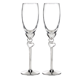 Entwined Hearts Toasting Glasses