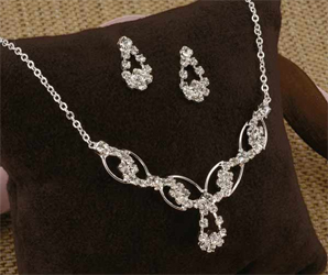Eternal Swirls Crystal/ Clear Rhinestones Jewelry Set Necklace and Earrings