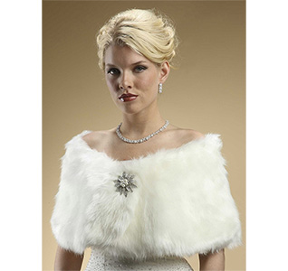 Faux-Fur-Bridal-Wrap-with-Ivory-Cream-Fox-M.jpg