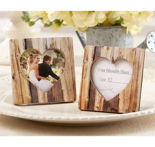 Faux-Wood-Heart-Place-Card-Holder-M.jpg