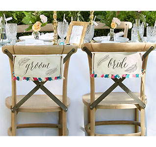 Feathers-Tassels-Chair-Signs-m.jpg