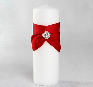 Garbo Red and White Wedding Pillar Unity Candle with Rhinestone/Crystal Brooch