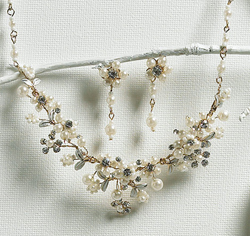 Gold and Pearl Garden Floral Necklace and Earring Jewelry Set