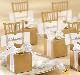 Gold-Chair-Favor-Box-Heart-Charm-m2.jpg
