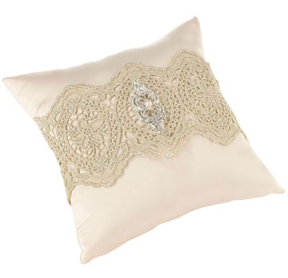 Gold-Lace-Ring-Pillow-m.jpg
