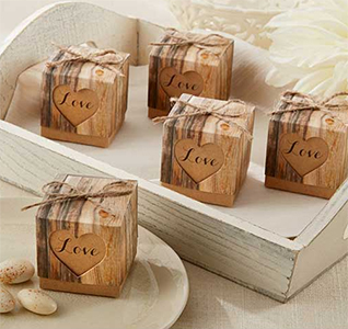 Hearts-in-Love-Rustic-Favor-Box-M1.jpg