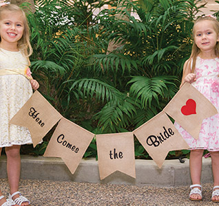 Here-Comes-the-Bride-Burlap-Banner-m.jpg