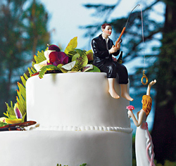 Customized Hooked on Love Cute/Comical/Funny/Humorous Bride and Groom Wedding Cake Top Figurines
