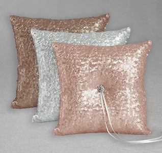 IL-A01270RP-Elsa-Matte-Ring-Pillow-m1.jpg