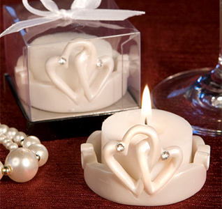 Interlocking-Hearts-Candle-M.jpg