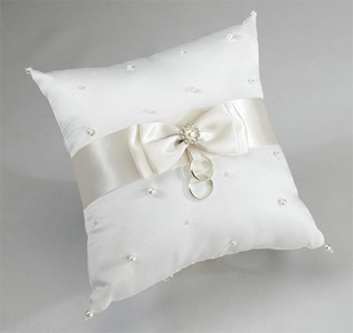 Ivory Scattered Pearl Pillow