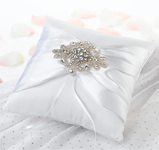 Jeweled-Motif-Ring-Pillow-m.jpg