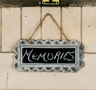Large-Scalloped-Frame-Tin-Signs-with-Chalkboard-m.jpg
