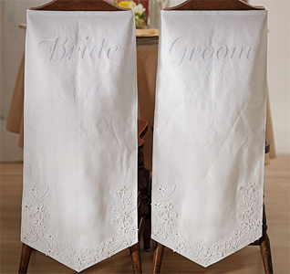 Linen-Chair-Banners-with-Embroidered-Bride-&-Grooms-Inscriptions-m.jpg