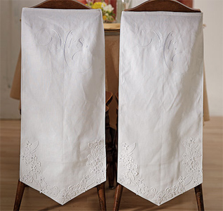 Linen-Chair-Banners-with-Embroidered-Mr-&-Mrs-Inscriptions-m.jpg