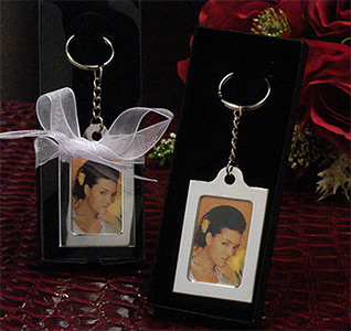 Memorable-Moments-Keychain-Frame-Favors-m.jpg