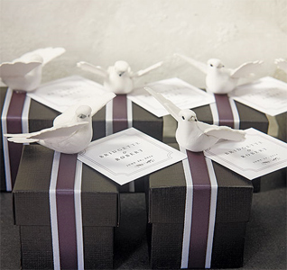 Miniature-White-Wedding-Doves-in-Flight-m.jpg