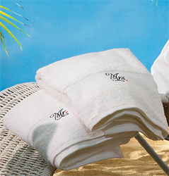 Mr. & Mrs. Weddin Honeymoon Towels in White