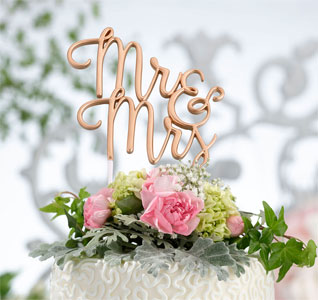 Mr-Mrs-Wedding-Cake-Topper-Gold-m.jpg
