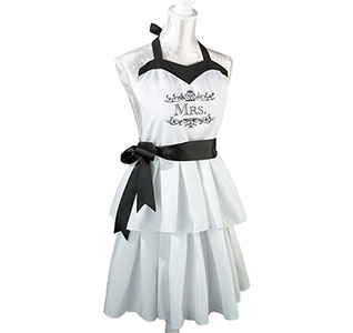 Mrs-Black-and-White-Apron-m.jpg