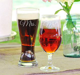Mrs-&-Mrs-Pilsner-Set-m.jpg