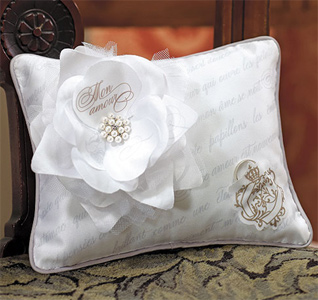 Parisian-Love-Letter-Blossom-Ring-Pillow-m.jpg