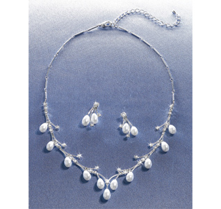 Pearl Drop Necklace and Earrings
