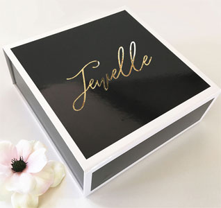 Personalized-Gift-Box-Black-m.jpg
