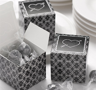 Retro-Black-and-White-Favor-Boxes-M.jpg