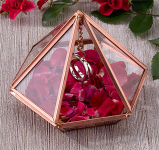 Ring-Holder-Rose-Gold-Hanging-Prism-m.jpg