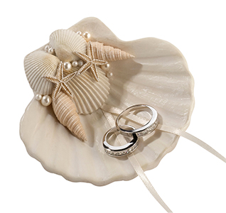 Seashell-Wedding-Ring-Holder-m.jpg