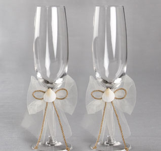 Seashore Ivory Seashell Beach Wedding Toasting Flutes for Bride and Groom