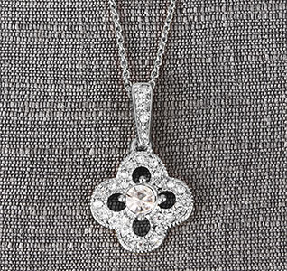 Silver-Crystal-Clover-Necklace-m.jpg